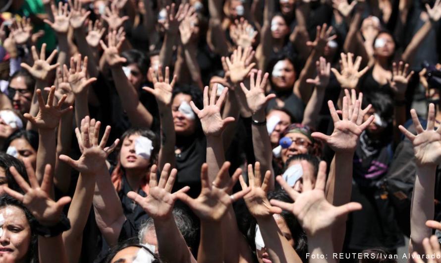 Eine Augenbinde als Symbol des Protestes