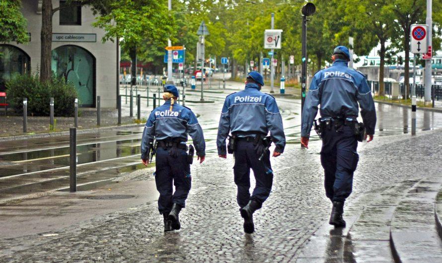 Rassistischer Anschlag – Polizei gibt Tätern Sprengstoff zurück