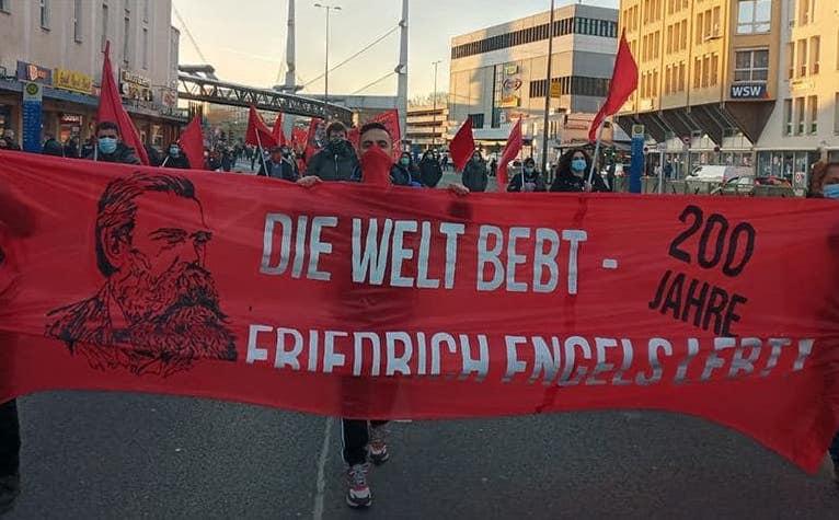 Kämpferische Stimmung am 200. Geburtstag von Friedrich Engels